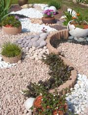 Steingarten anlegen und gestalten - Kiesgarten bepflanzung ...