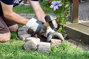 Gartengestaltung mit Stein, Findlingen und Granit